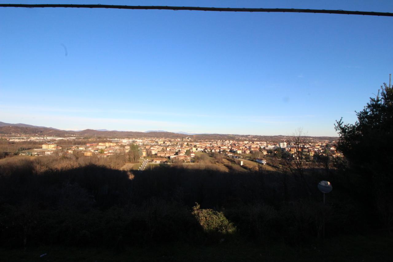Bilocale Borgomanero Via Piovino  999 4