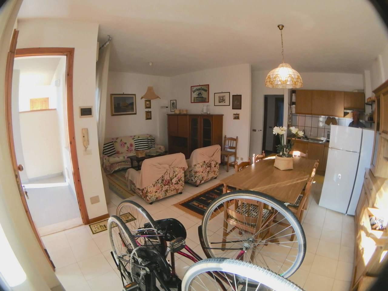 Appartamento in vendita a Rosignano Marittimo, 4 locali, prezzo € 145.000 | CambioCasa.it
