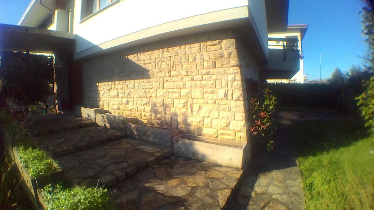Villa in vendita a Chiesina Uzzanese, 14 locali, prezzo € 330.000 | Cambio Casa.it