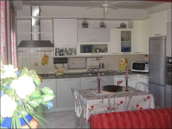Appartamento in vendita a Massa e Cozzile, 3 locali, prezzo € 135.000 | Cambio Casa.it