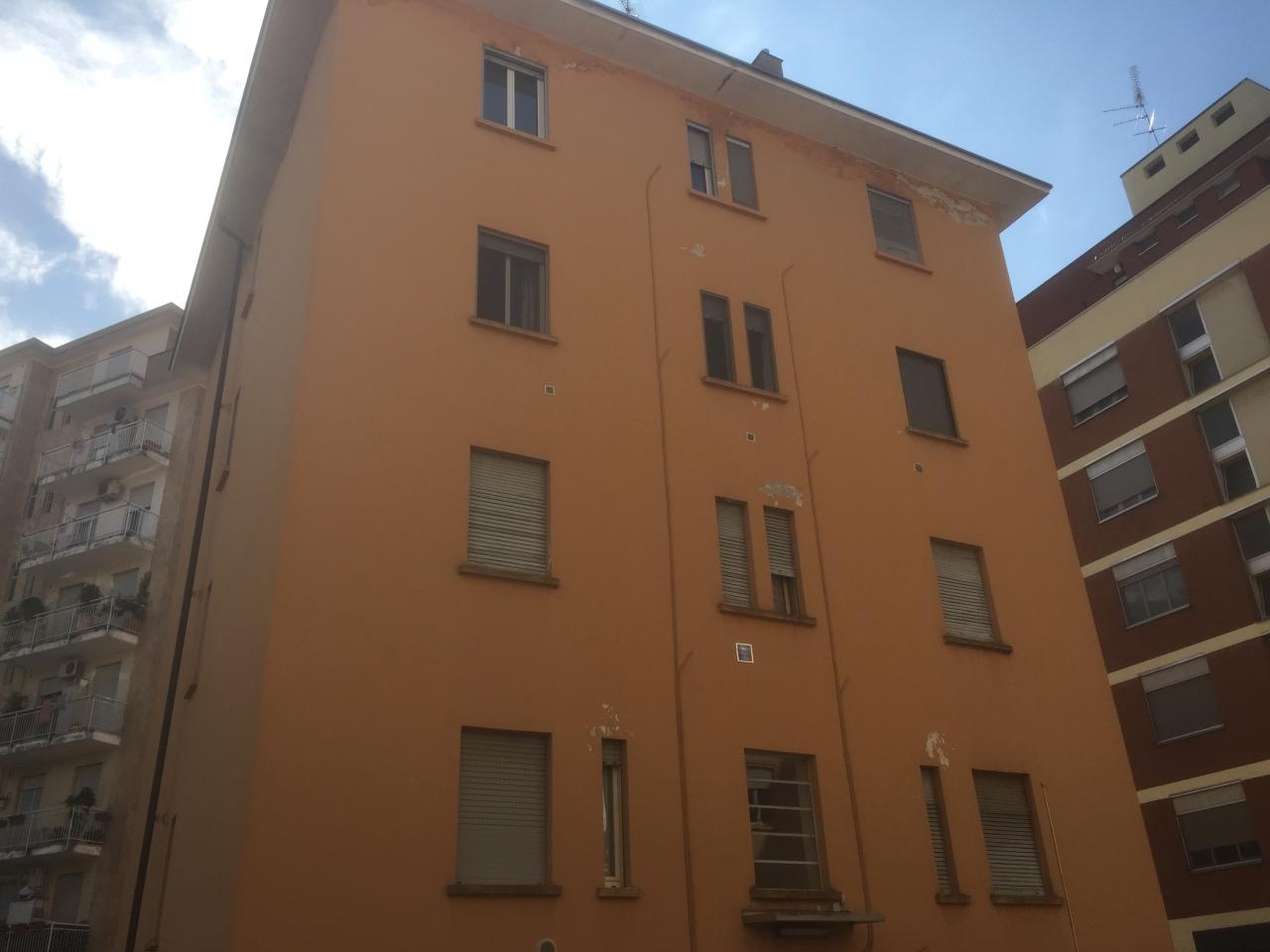 Bilocale Novara Via G. B. Magistrini 2 8