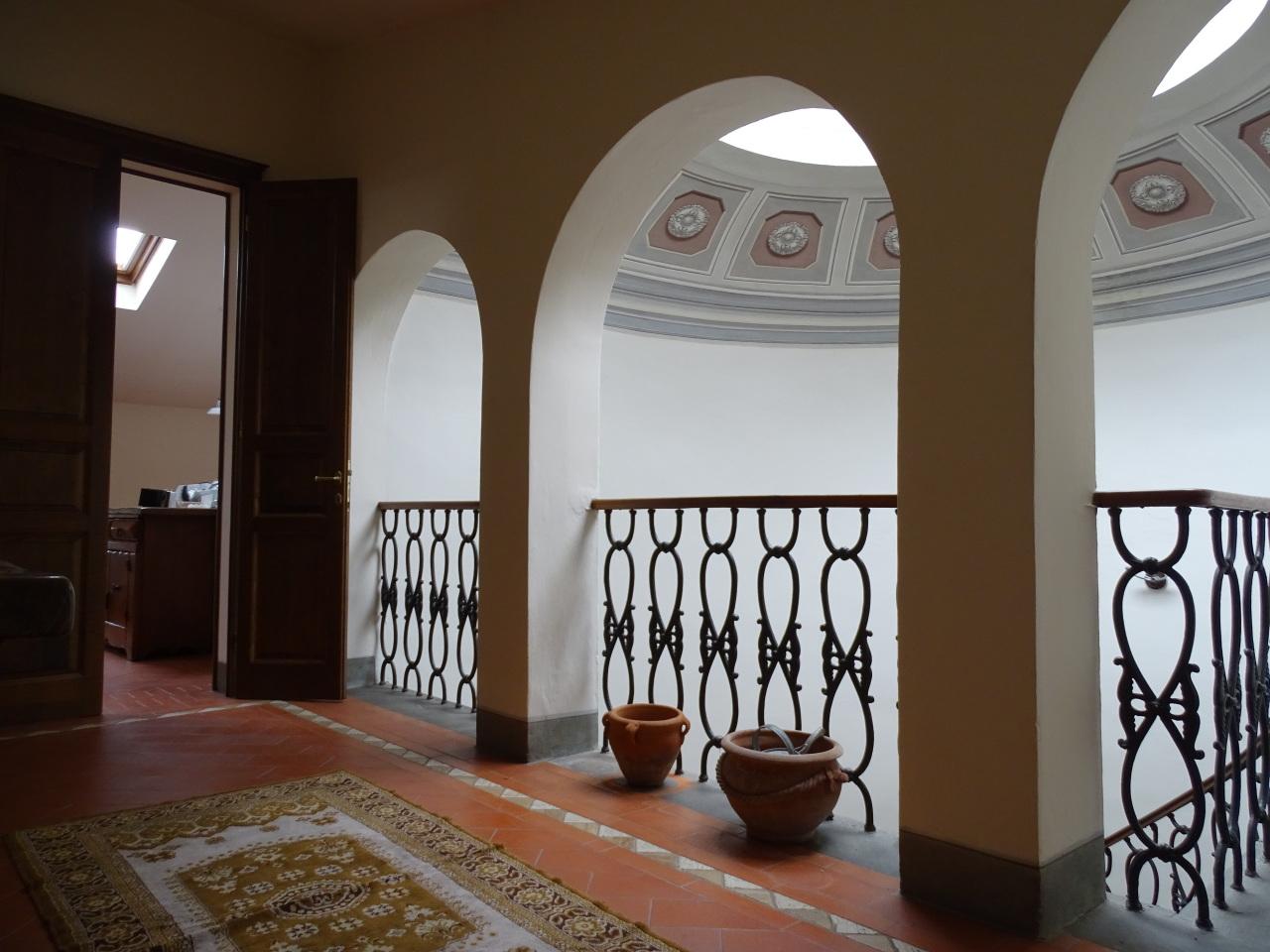 Villa in vendita a Pontedera, 12 locali, prezzo € 690.000 | Cambio Casa.it