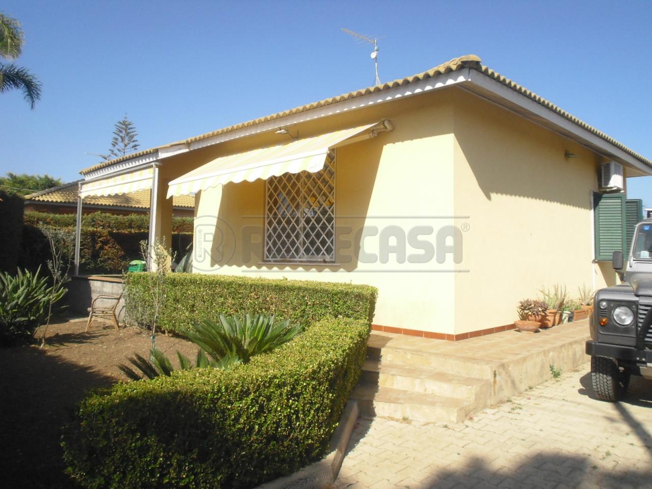 Villa in vendita a Siracusa, 4 locali, prezzo € 139.000 | Cambio Casa.it