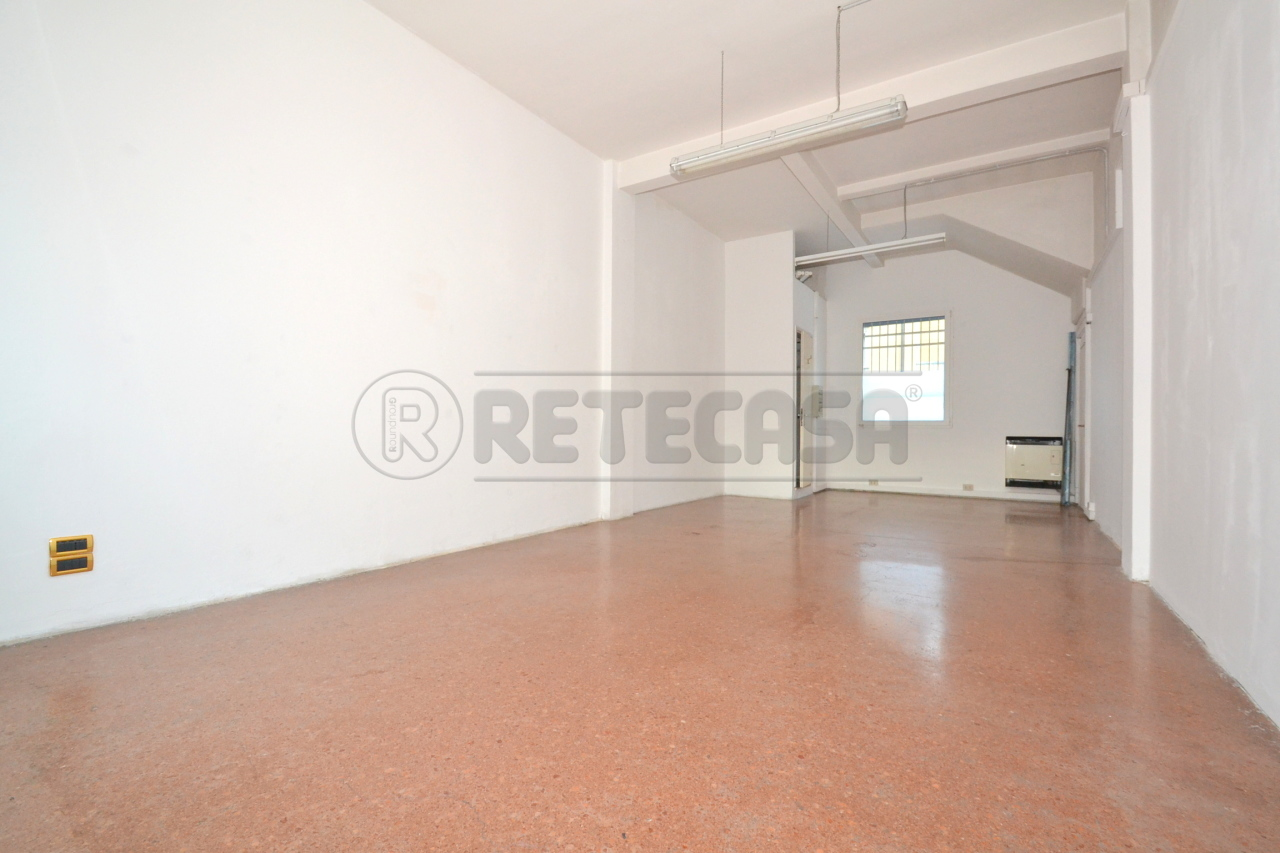 Negozio / Locale in affitto a Valdagno, 9999 locali, prezzo € 550 | Cambio Casa.it