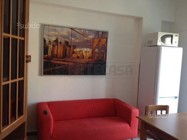 Appartamento trilocale in affitto a Ancona (AN)