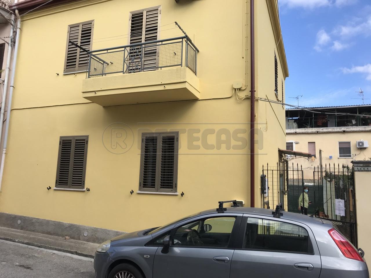 Casa indipendente in vendita a Catanzaro (CZ)