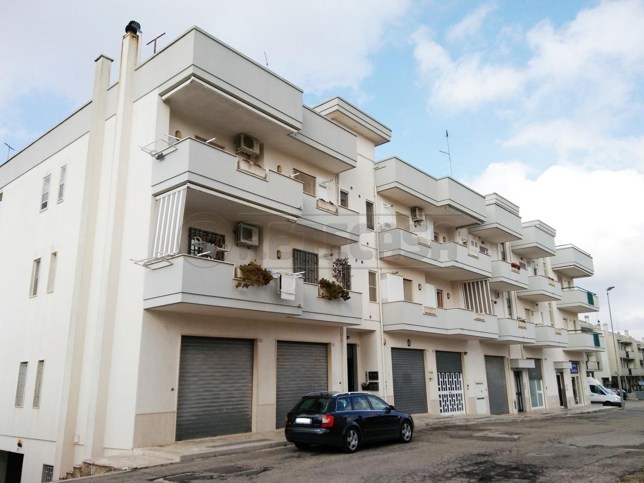 Appartamento in vendita a Locorotondo, 4 locali, prezzo € 200.000 | Cambio Casa.it