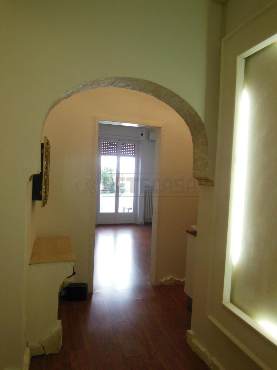 Bilocale Ancona Via Antinori 4