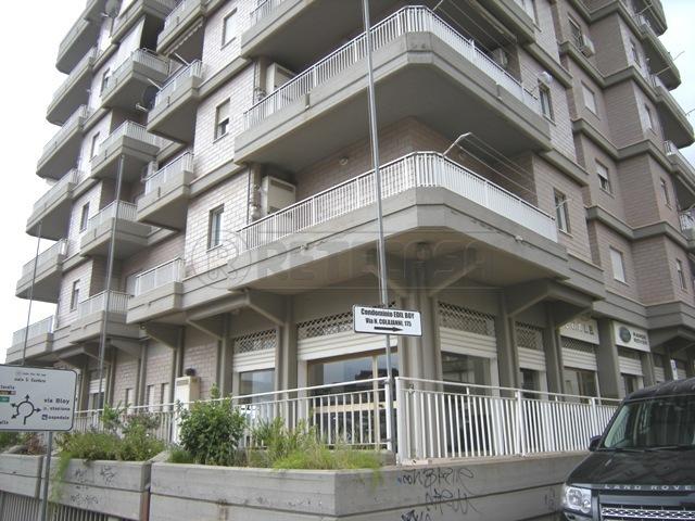 Negozio / Locale in vendita a Caltanissetta, 4 locali, Trattative riservate | Cambio Casa.it