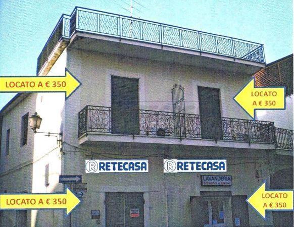 Palazzo / Stabile in Vendita a Capodrise