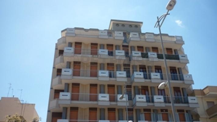 Appartamento in vendita a Gallipoli, 9 locali, prezzo € 290.000 | Cambio Casa.it
