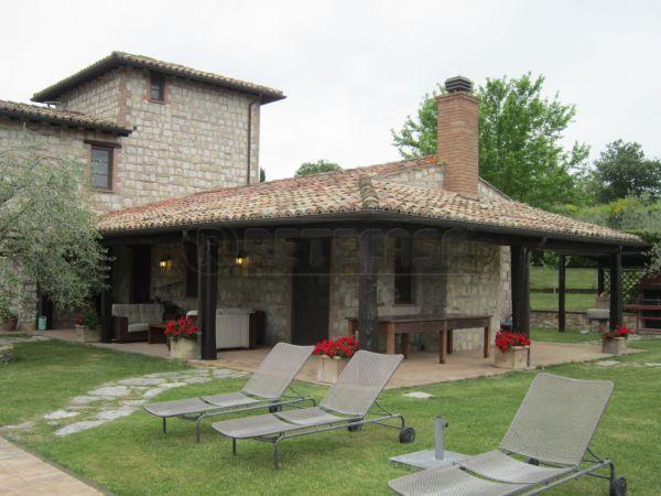 Villa in Vendita a San Venanzo