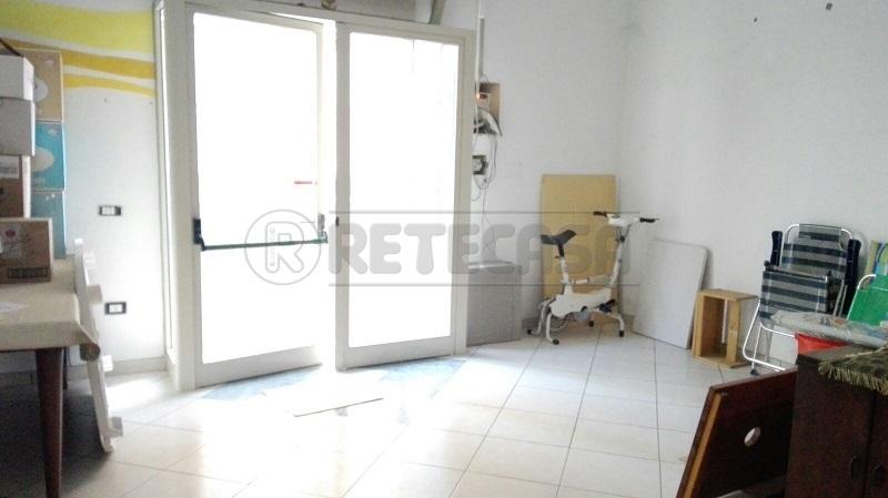 Negozio / Locale in affitto a Mercato San Severino, 1 locali, prezzo € 320 | Cambio Casa.it