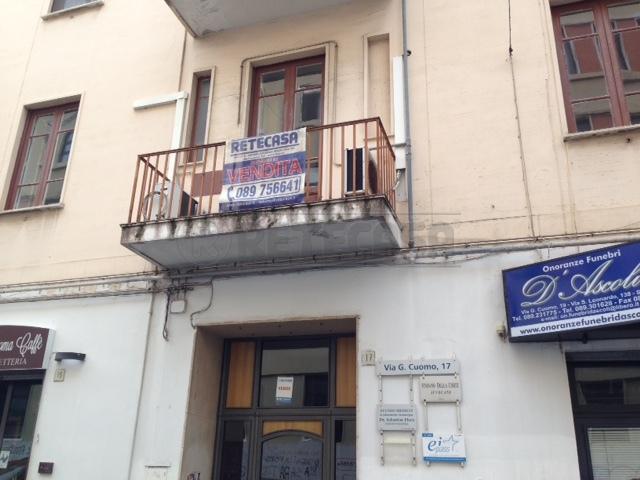 Bilocale Salerno Via Giovanni Cuomo 17 10