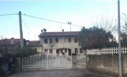 mansarda sottotetto soffitta solaio vendita tezze sul brenta di metri quadrati 188 prezzo 88888 rif asta2332