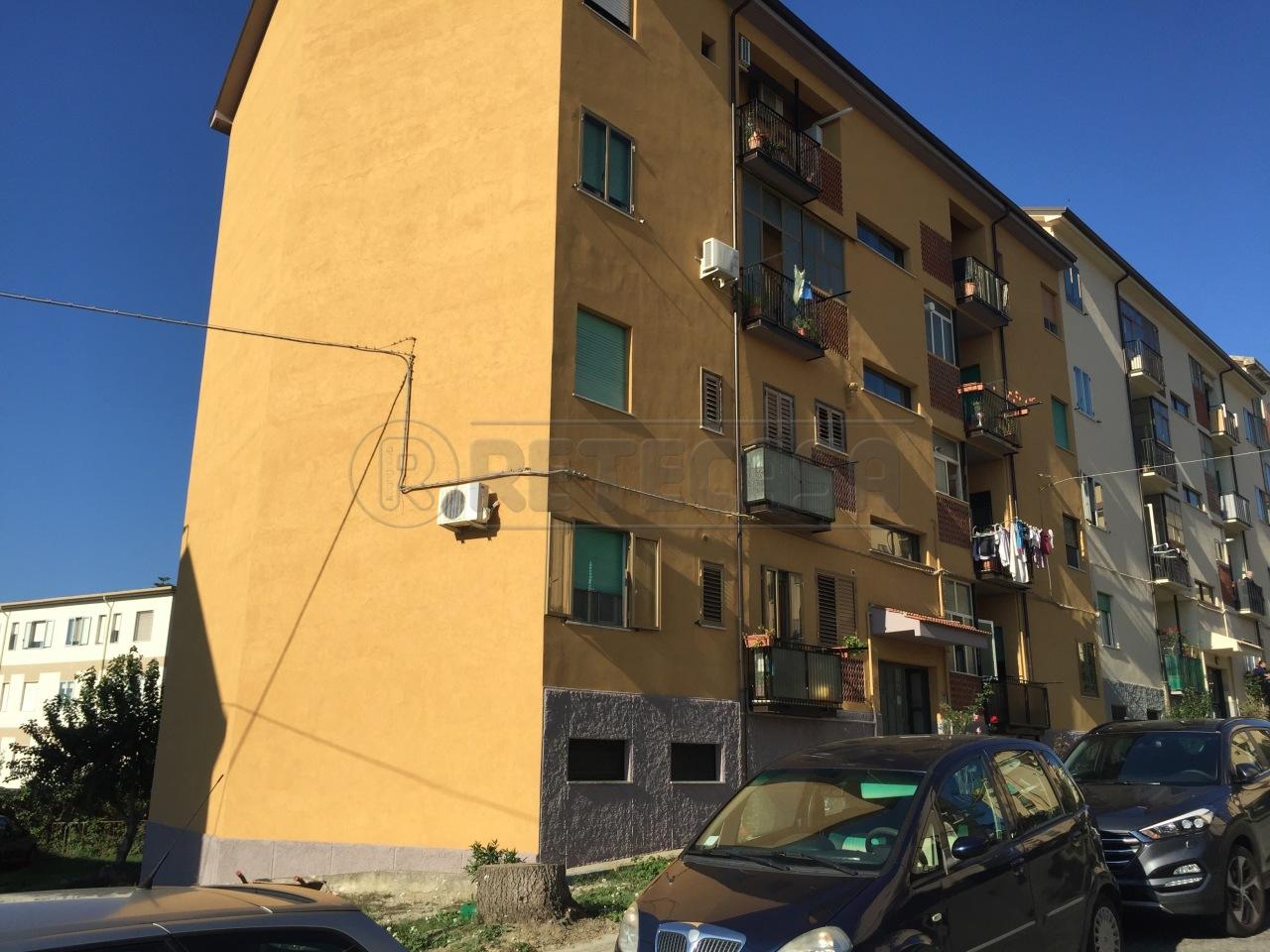Appartamento in vendita a Catanzaro, 3 locali, prezzo € 95.000 | Cambio Casa.it