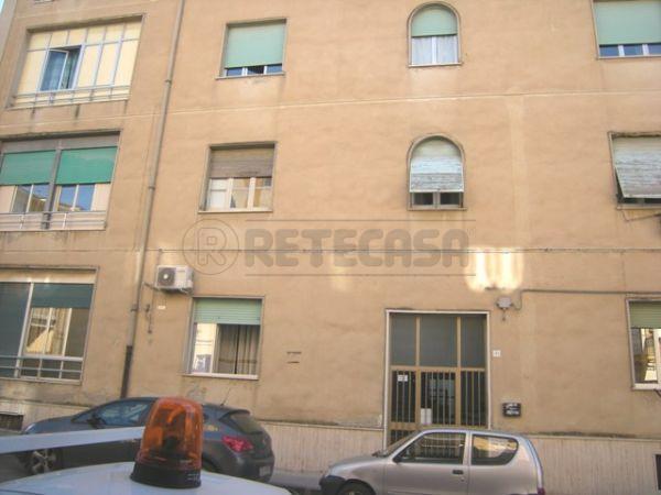 Appartamento in vendita a Caltanissetta, 4 locali, prezzo € 65.000 | Cambio Casa.it