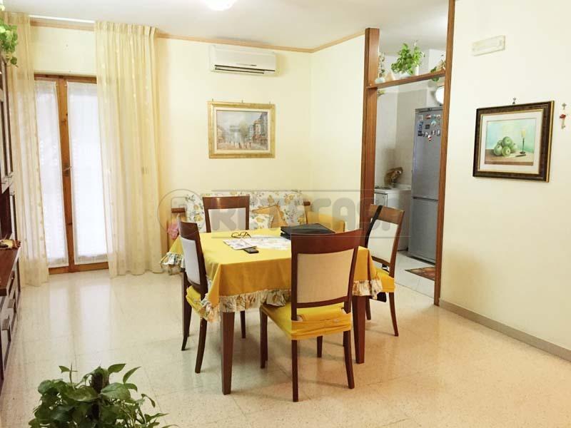 Appartamento in vendita a Bisceglie, 4 locali, prezzo € 179.000 | Cambio Casa.it