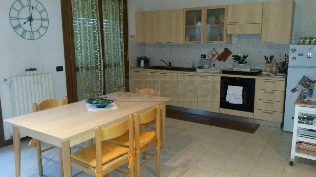 Appartamento in vendita a San Giorgio di Mantova, 9999 locali, prezzo € 65.000 | Cambio Casa.it