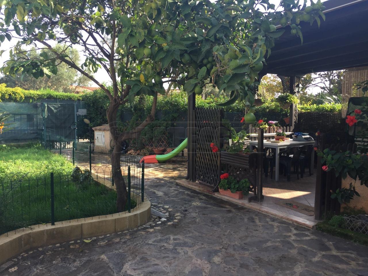 Villa a Schiera in vendita a Borgia, 3 locali, prezzo € 165.000 | Cambio Casa.it
