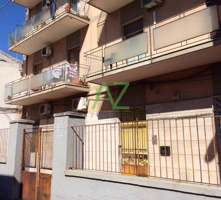 Appartamento in vendita a Catania, 4 locali, prezzo € 78.000 | Cambio Casa.it