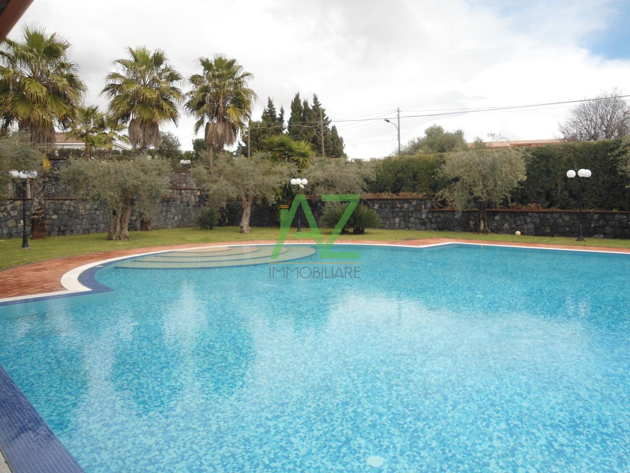 Villa a Schiera in Affitto a Acireale