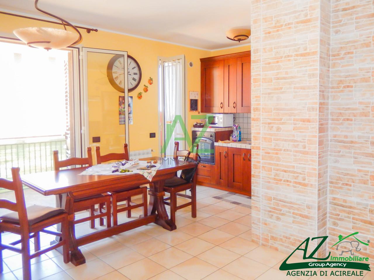 Appartamento in vendita a Acireale, 3 locali, prezzo € 138.000 | Cambio Casa.it