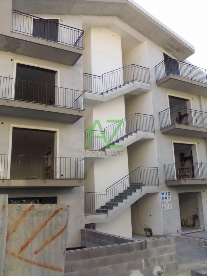 Appartamento in vendita a Motta Sant'Anastasia, 5 locali, prezzo € 180.000 | Cambio Casa.it
