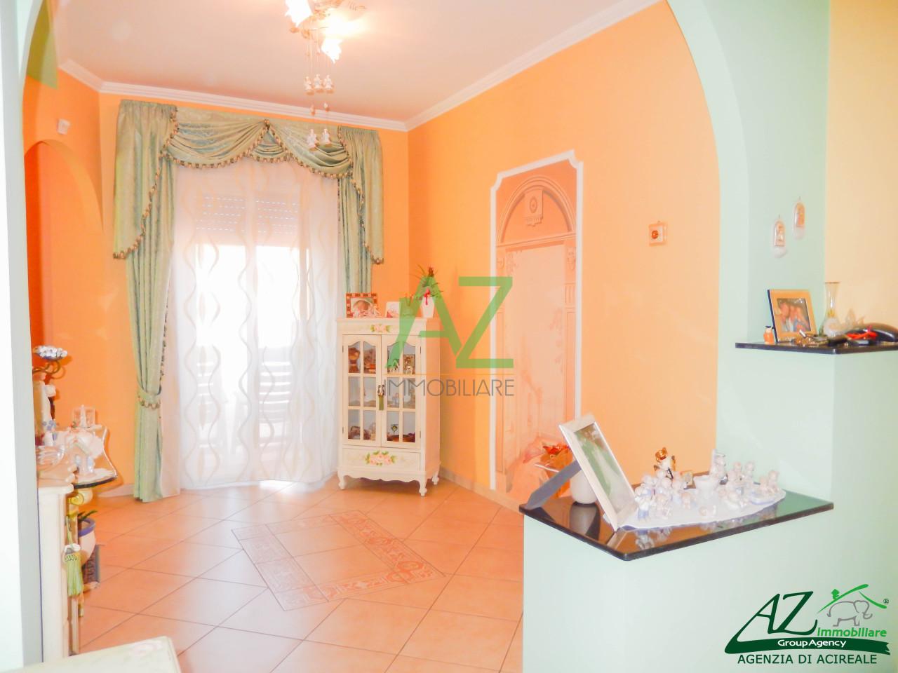 Appartamento in vendita a Aci Catena, 4 locali, prezzo € 95.000 | Cambio Casa.it