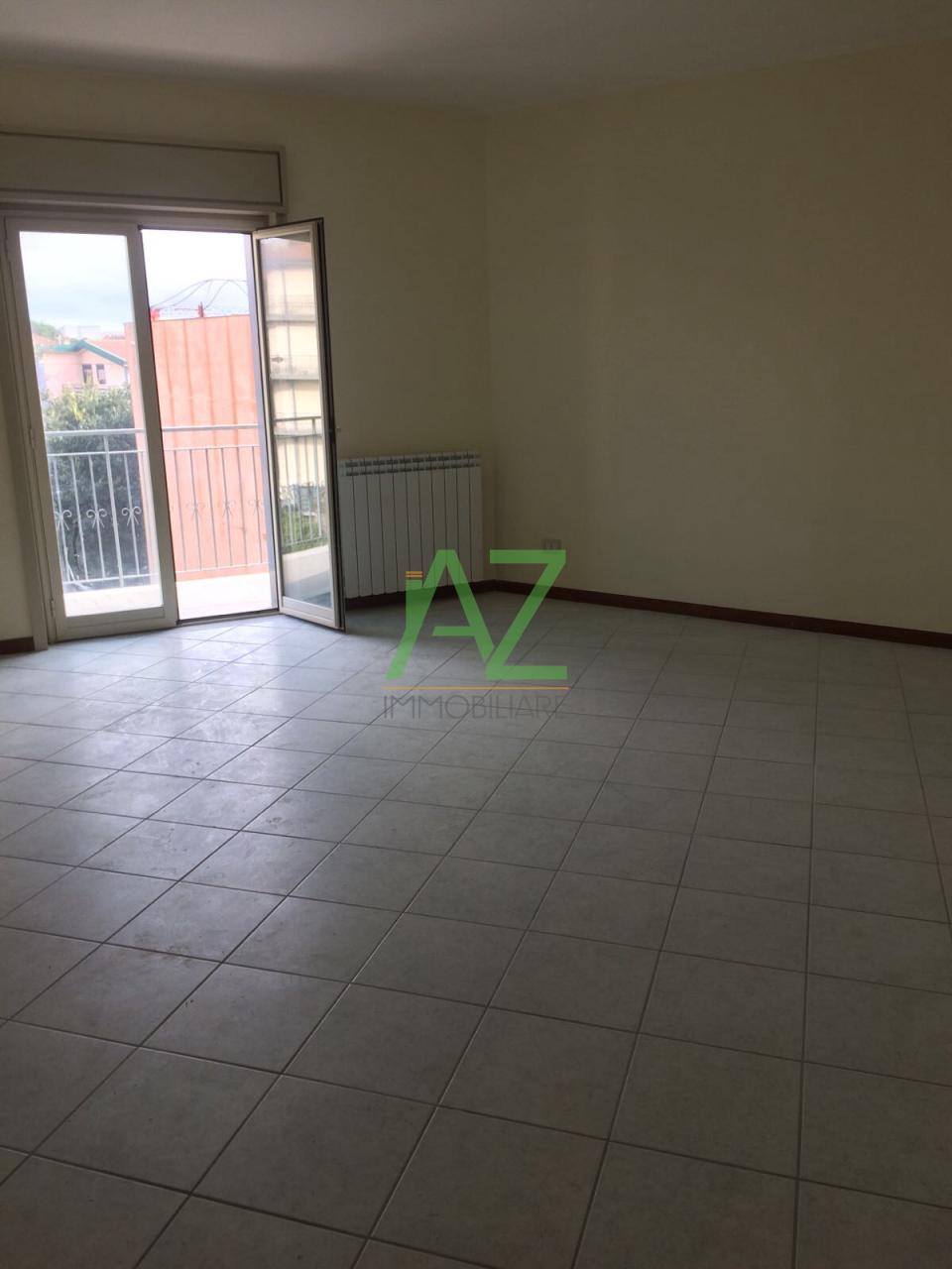 vendita appartamento camporotondo etneo   155000 euro  5 locali  120 mq