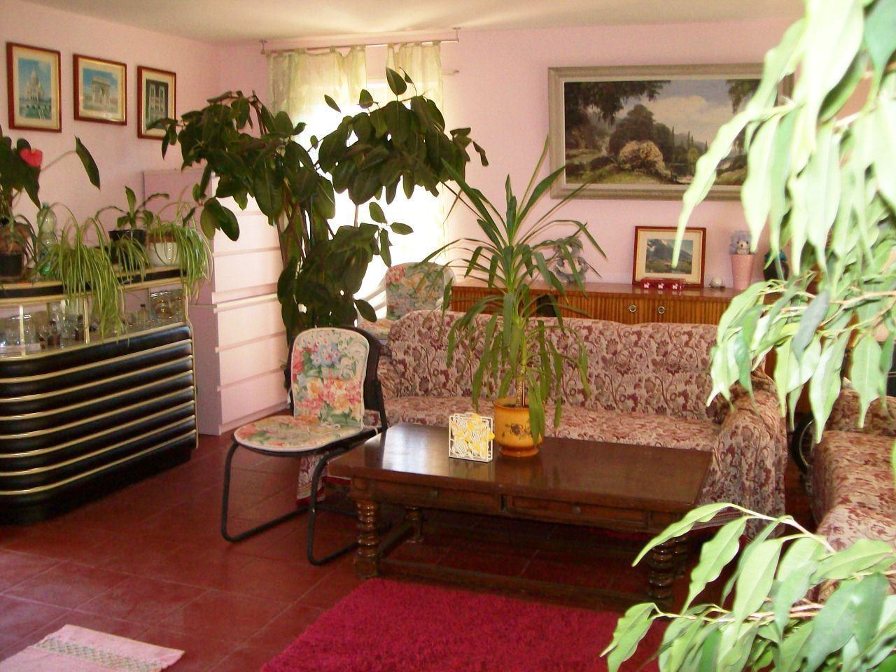 vendita appartamento sarzana   268000 euro  5 locali  90 mq