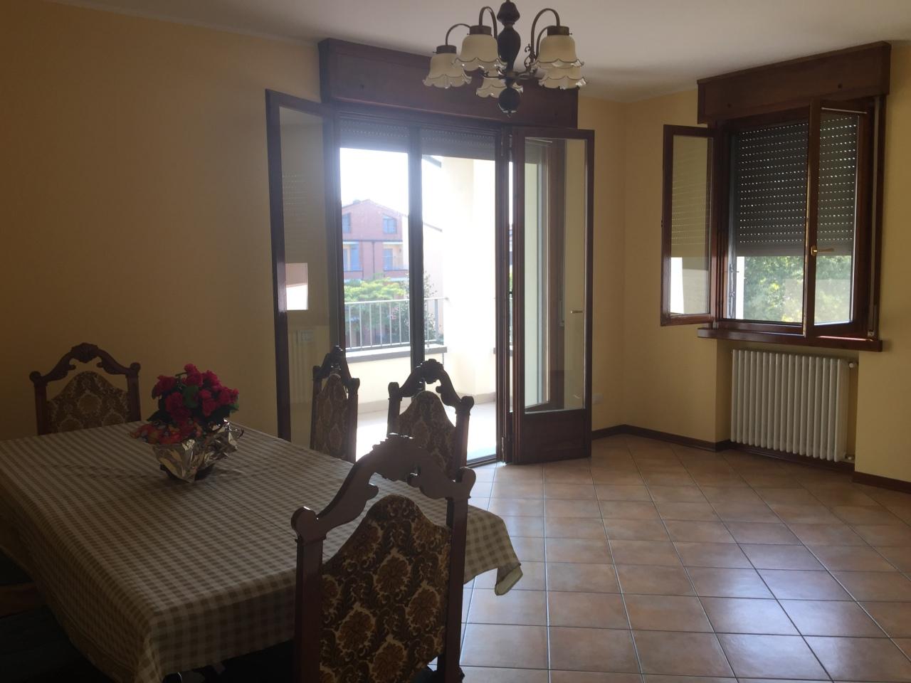 Appartamento in affitto a Torrile, 4 locali, prezzo € 470 | Cambio Casa.it