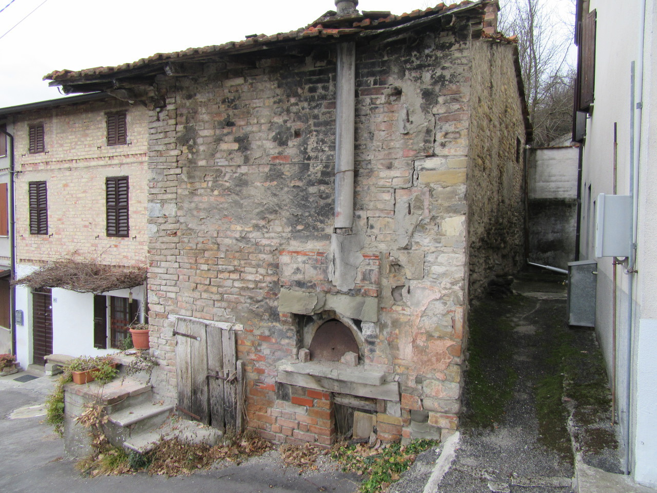 Bilocale Varano de Melegari Serravalle 2
