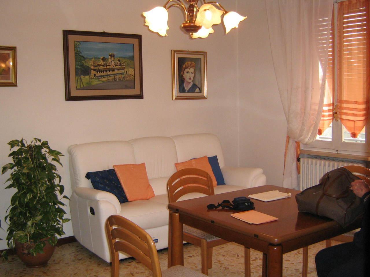 Appartamento in vendita a Noceto, 3 locali, prezzo € 94.000 | Cambio Casa.it