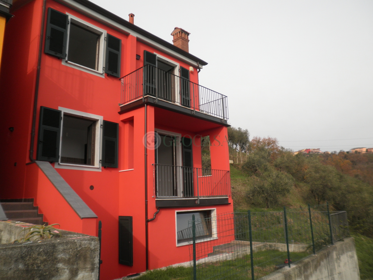 Villa in affitto a Vezzano Ligure, 5 locali, prezzo € 700 | CambioCasa.it