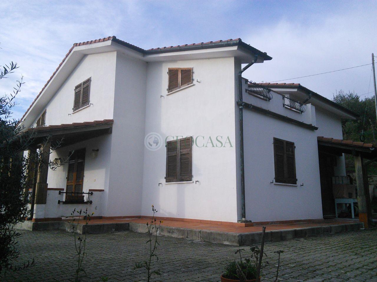 Soluzione Indipendente in vendita a Vezzano Ligure, 10 locali, prezzo € 295.000 | Cambio Casa.it