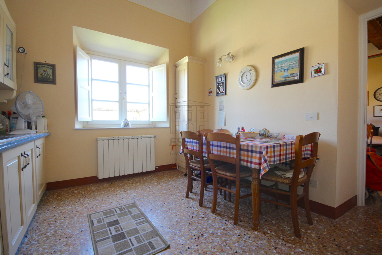 Appartamento Lucca Centro storico IA03340 img 9