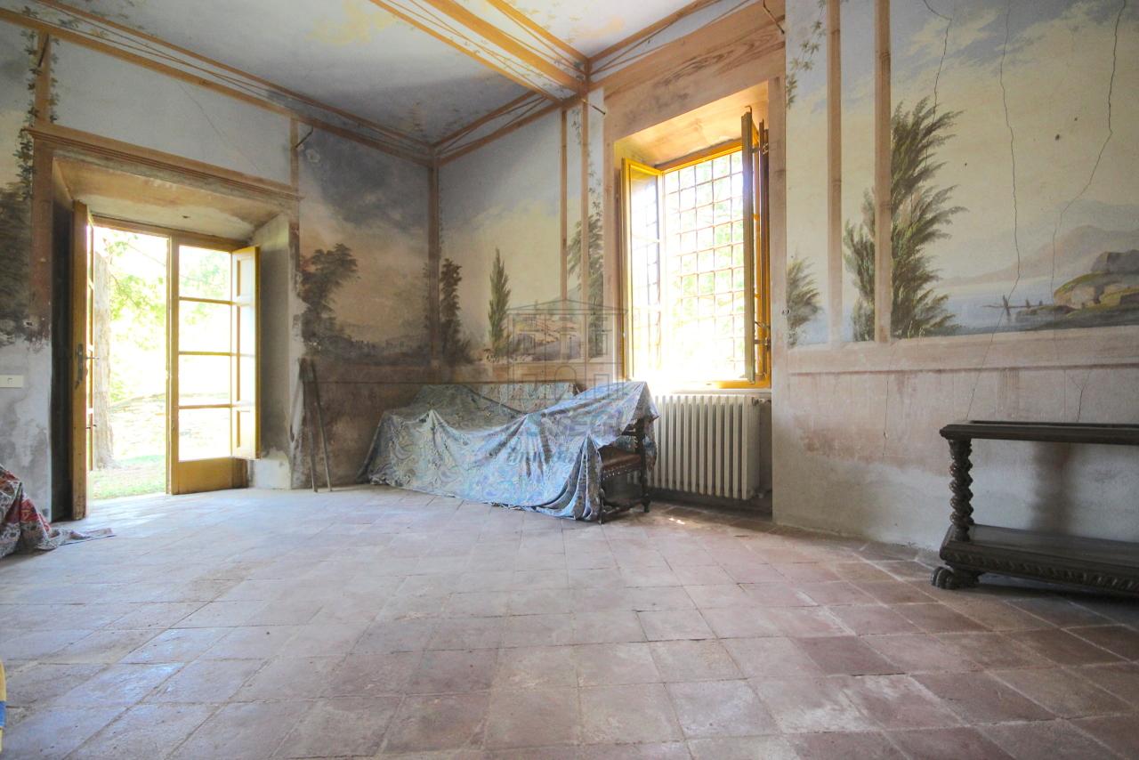 vendesi villa antica con terrazza panoramicavendes