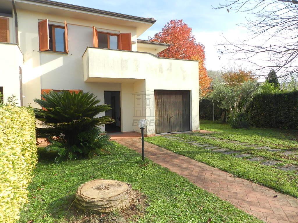 IA03219 Lucca Nozzano Castello