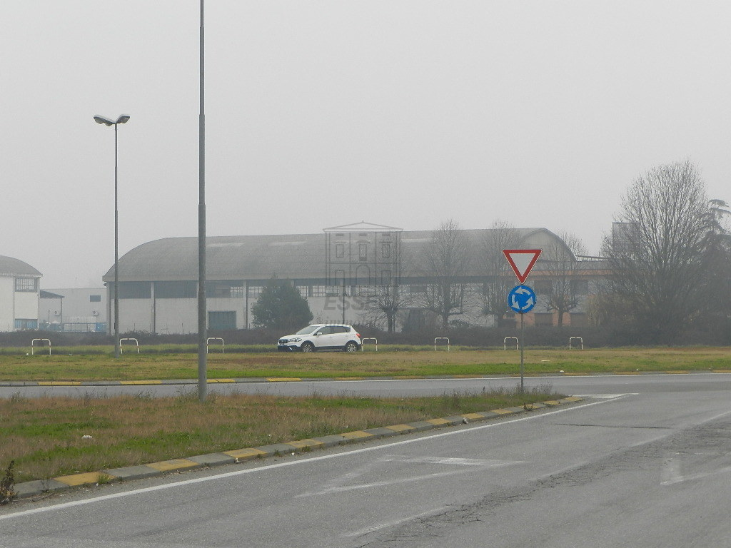 capannone commerciale Porcari UF03000 img 6