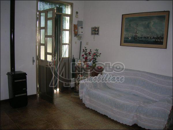 Villa a Schiera in vendita a Canaro, 4 locali, prezzo € 25.000 | Cambio Casa.it