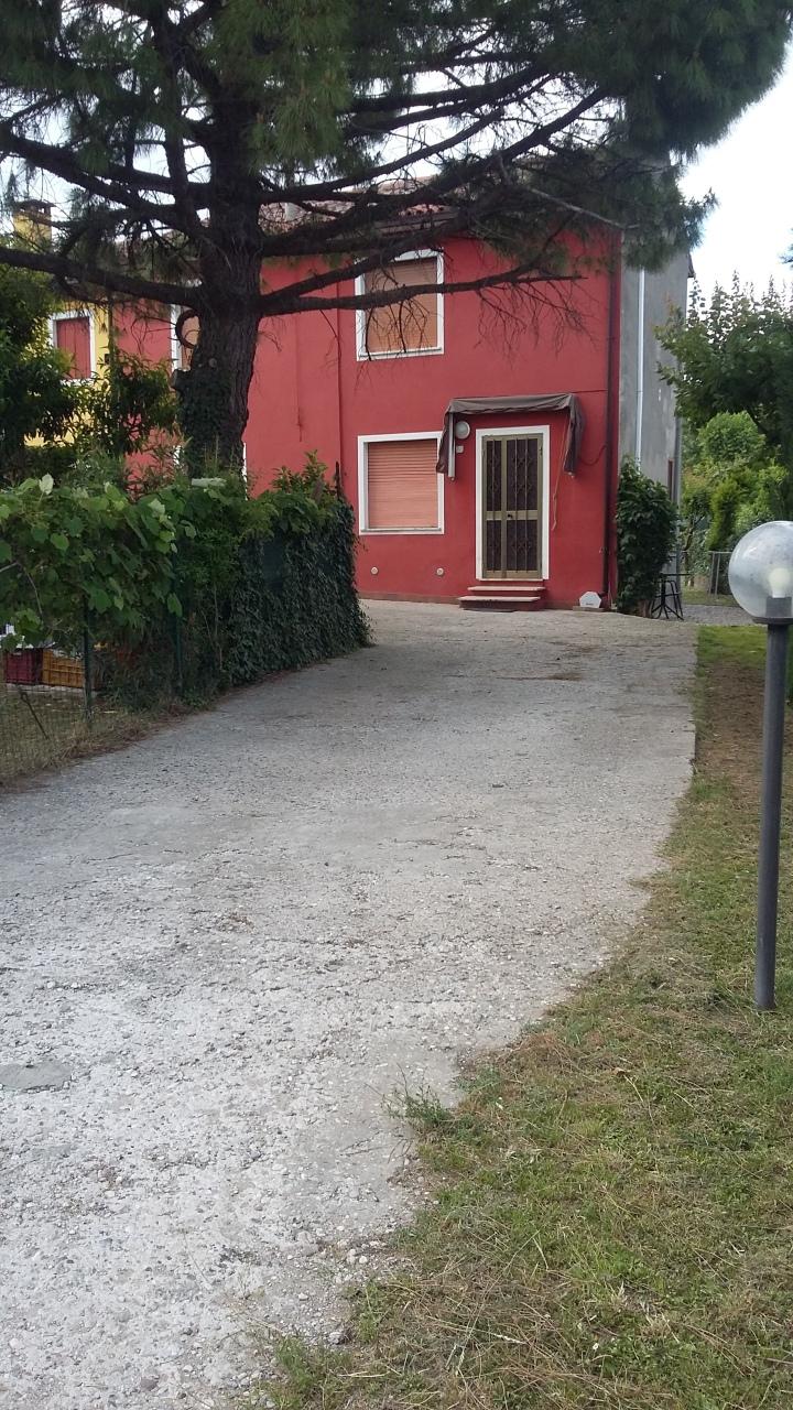 Soluzione Indipendente in affitto a Lonigo, 5 locali, prezzo € 480 | Cambio Casa.it