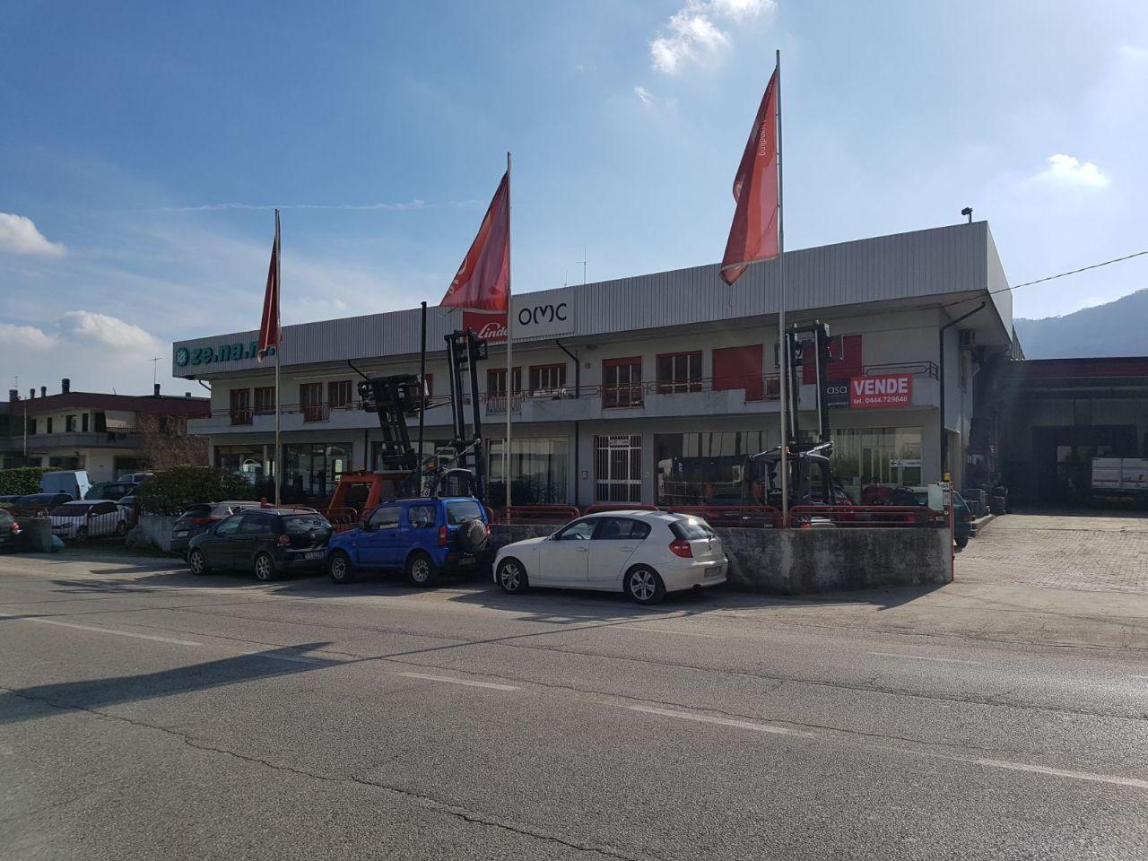 Capannone in vendita a Chiampo, 10 locali, Trattative riservate | CambioCasa.it