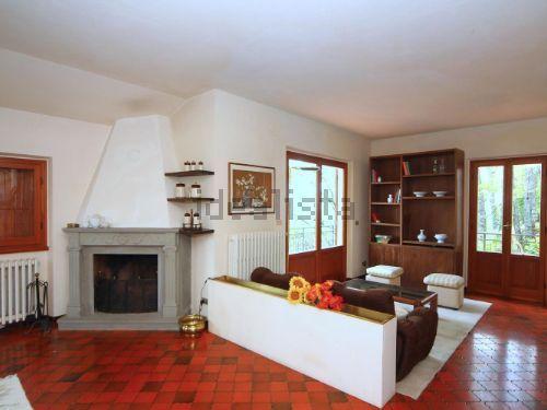 Villa a Schiera in Vendita a Pelago