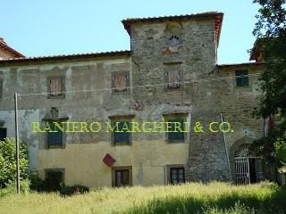 Villa in vendita a Londa, 10 locali, prezzo € 185.000   Cambio Casa.it