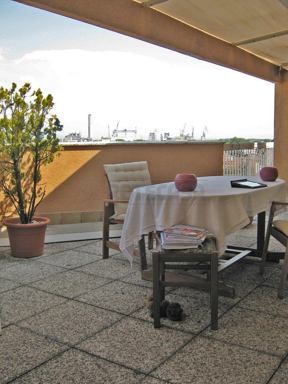 Appartamento in vendita a Monfalcone, 7 locali, prezzo € 100.000 | Cambio Casa.it