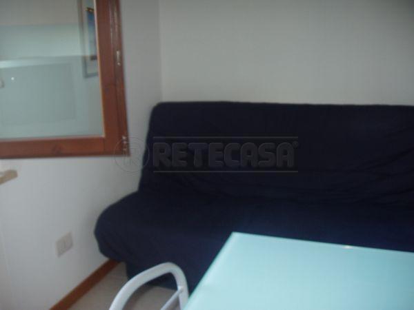Appartamento trilocale in affitto a Agugliano (AN)-3