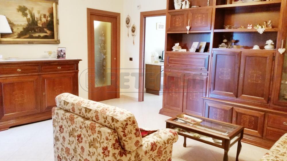 Appartamento in vendita a Bisceglie, 3 locali, prezzo € 175.000 | Cambio Casa.it