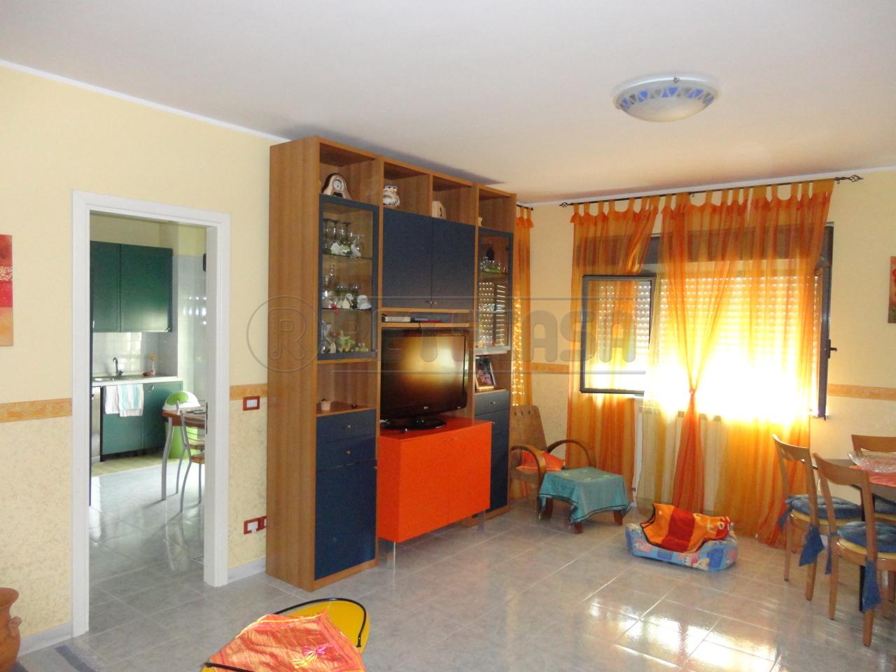 Appartamento in vendita a Catanzaro, 4 locali, prezzo € 130.000 | Cambio Casa.it