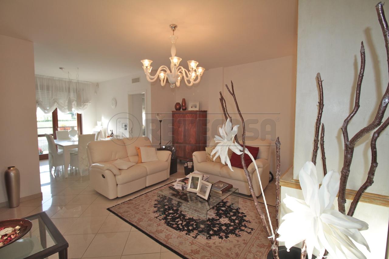 Appartamento in vendita a Lecce, 3 locali, prezzo € 125.000 | Cambio Casa.it